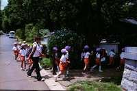 あじさい寺に来た子供達