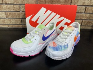W AIRMAX EXCEE AMD(左)・W AIRMAX EXCEE(右)