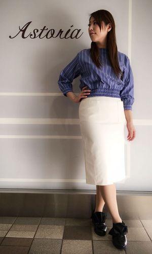 ・前ポケットタイトスカート