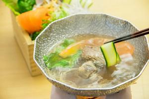 【女性限定!飲み放題180分付き!】スパークリングワインで乾杯!美肌テールスープでお野菜のしゃぶしゃぶ女子会プラン