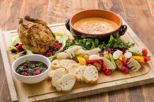 ◆春プラン◆ 富士いきいき鶏のローストチキンと春野菜のチーズフォンデュ