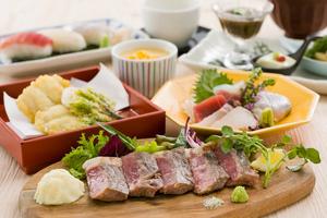特選!国産牛の炭焼きと鱧の天ぷら会席