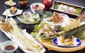 【WEB限定】清水の地酒三種付き 太刀魚一本揚げとなすび総本店人気料理の宴席プラン【150分飲み放題付】