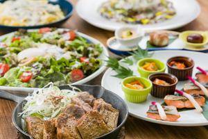 ◆秋プラン◆ 秋の味覚と若鶏のスキレット焼きの宴席プラン【100分飲み放題付き】