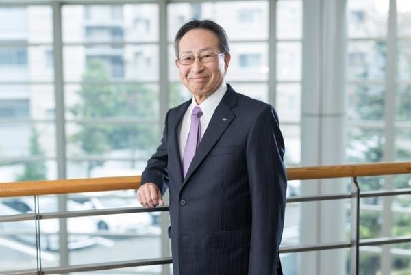 代表取締役社長 鈴木 範夫