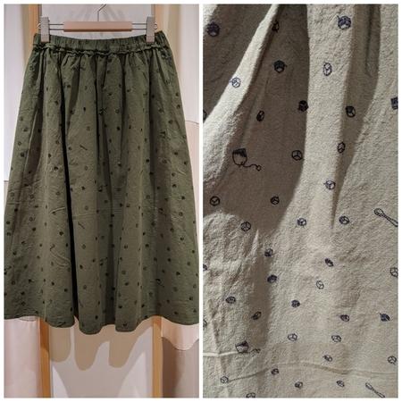 【NEW ARRIVAL】角砂糖とスプーンの総刺繍スカート